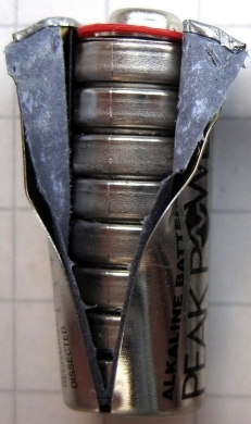 Binnenkant van een GP 23A batterij